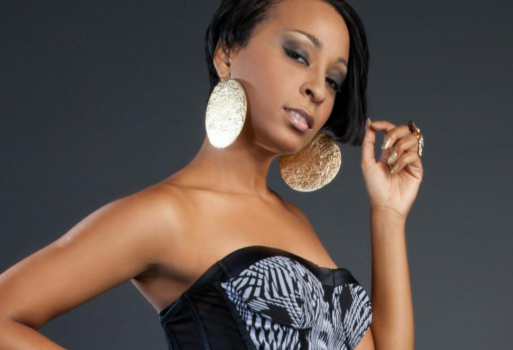 Jamaican Alaine Announces Collaboration with Stonebwoy