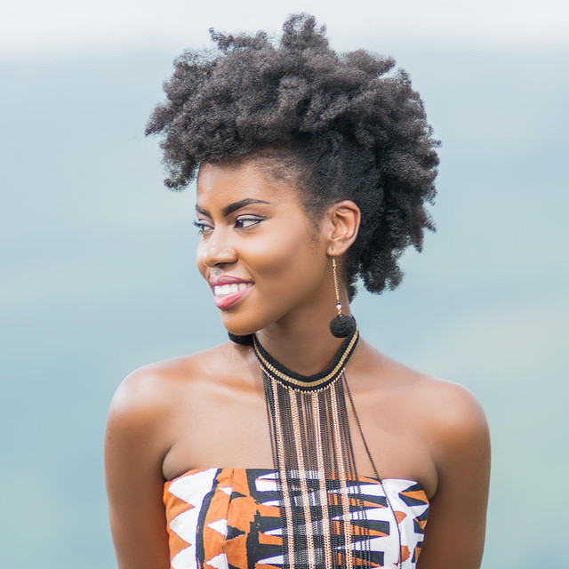 MzVee Makes a Transition from Lynx Entertainment