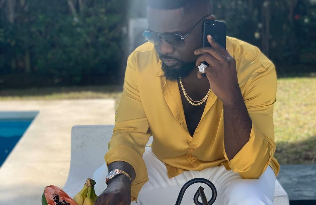 "Sarkodie's Dreamy Visuals to ""Anadwo"" are Stunningly Pleasant"