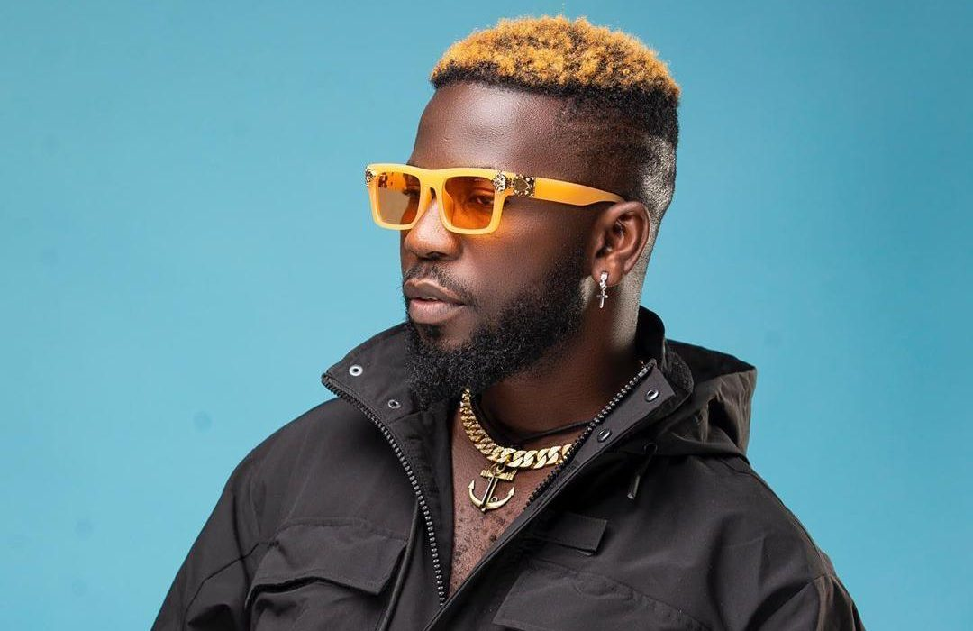 """Bisa Kdei Delivers Visuals to 2015's """"You Don't Know Me"""""""