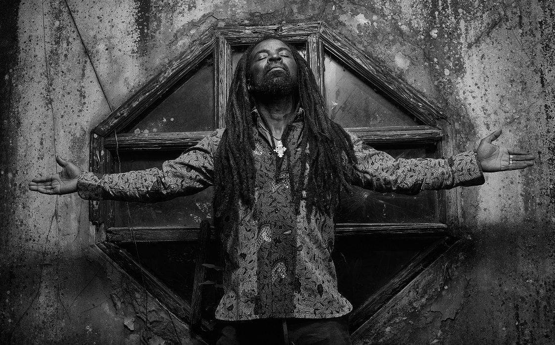 "Afro Roots Singer Rocky Dawuni Shares New EP ""Voice of Bunbon Vol. 1"""